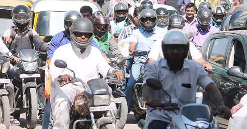 राजस्थान में दुपहिया वाहन कंपनियों को नि:शुल्क देना होगा हेलमेट