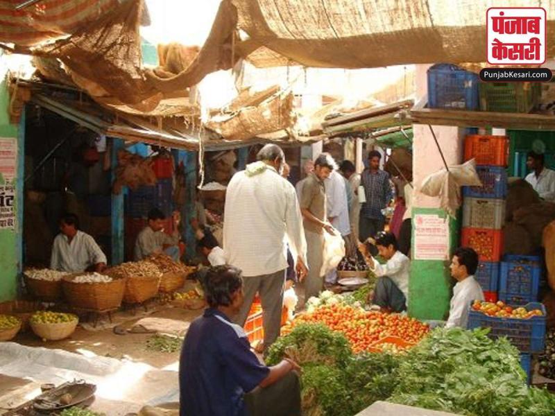 देश भर में लॉक डाउन के बीच फल-सब्जी, दूध, दवा की किल्लत नहीं
