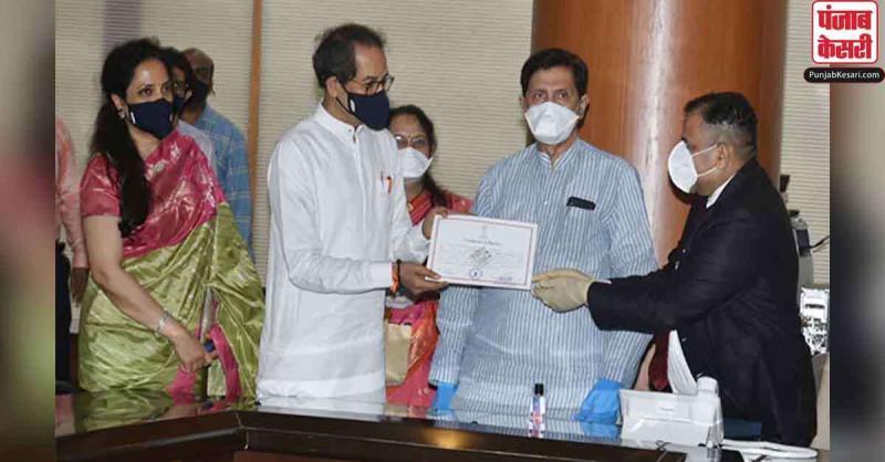 महाराष्ट्र के CM उद्धव ठाकरे सहित नौ लोगों ने विधान परिषद की सदस्यता की शपथ ली