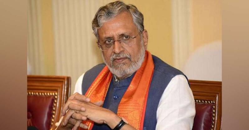 फूड पैकेट बांटने के समय राजद मजदूरों को थमाना चाहता है सदस्यता फार्म : सुशील कुमार मोदी