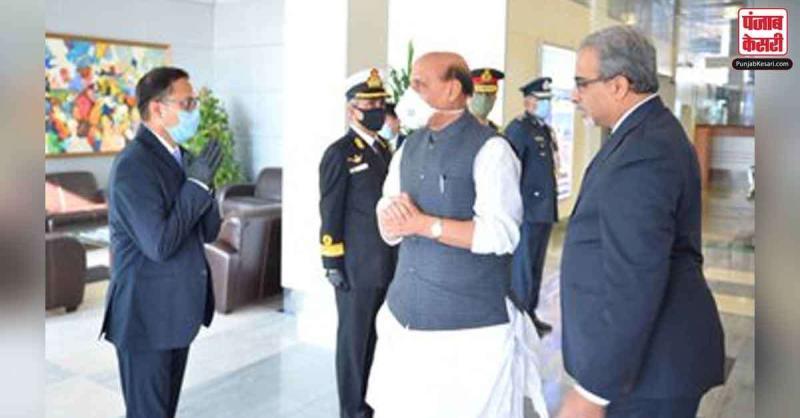 रक्षा मंत्री राजनाथ सिंह रूस के दौरे पर, हथियारों की डील को लेकर होगी चर्चा