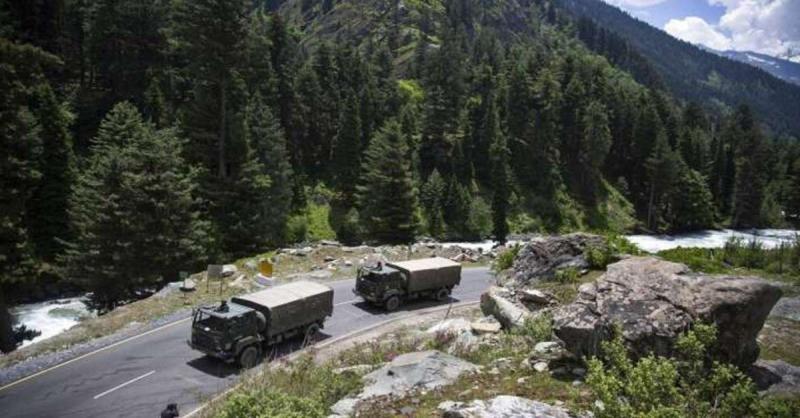 चीन से तनाव के बीच कश्मीर में LPG आपूर्ति का स्टॉक रखने संबंधी सरकारी आदेश को लेकर अटकलें तेज