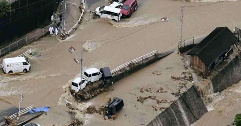 दक्षिणी जापान में भारी बारिश से कई इलाकों में भूस्खलन,13 लोग लापता