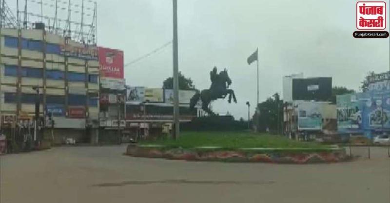 कर्नाटक में पूर्ण लॉकडाउन को लोगों ने दिया समर्थन, सुनसान रही सड़कें