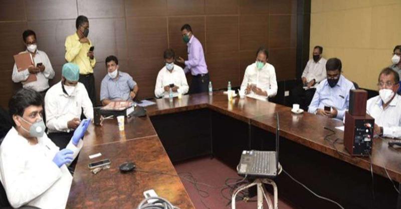 मराठा आरक्षण : 15 जुलाई को SC में सुनवाई से पहले अशोक चव्हाण ने की बैठक, कहा- सरकार सभी वर्गों के समुदाय को विश्वास में लेगी