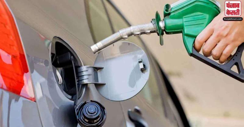 4 दिन के ब्रेक के बाद फिर महंगा हुआ डीजल, पेट्रोल की कीमत स्थिर, जानें आज का भाव