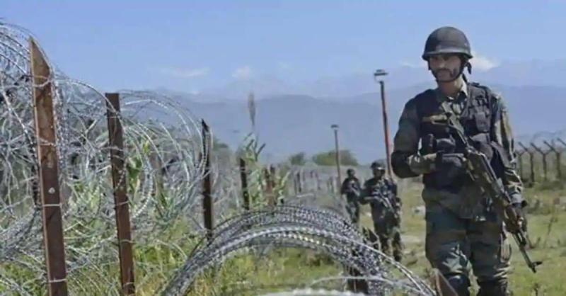नहीं थम रही नापाक PAK की हरकतें, LoC पर पाकिस्तानी सैनिकों ने फिर तोड़ा सीजफायर