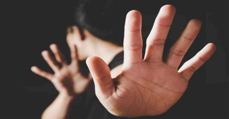 महाराष्ट्र : ऑक्सीजन की सप्लाई खोलने के लिए कहा तो स्वास्थ्यकर्मी ने महिला मरीज को जड़ा थप्पड़