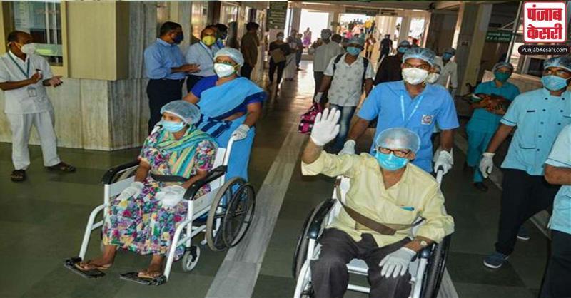भारत में कोरोना से स्वस्थ होने की दर 70 प्रतिशत से अधिक हुई, एक दिन में रिकॉर्ड 56,110 मरीज हुए ठीक