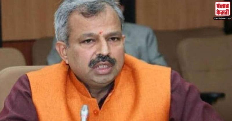 दिल्ली में बढ़ते कोरोना के मामले पर गरमाई सियासत, भाजपा ने कहा- सार्वजनिक जगहों पर सैनिटाइज नहीं किया जा रहा
