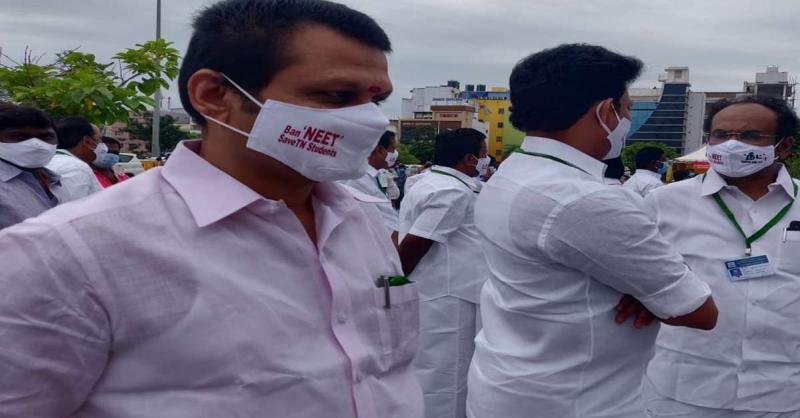 तमिलनाडु विधानसभा : DMK विधायकों ने NEET विरोधी नारे वाले पहने मास्क
