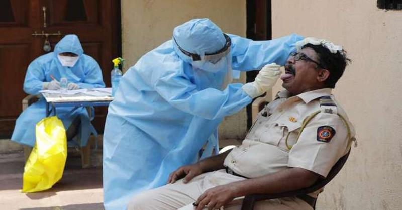 महाराष्ट्र में कोविड-19 से संक्रमित पुलिसकर्मियों की संख्या बढ़कर हुई 20,367