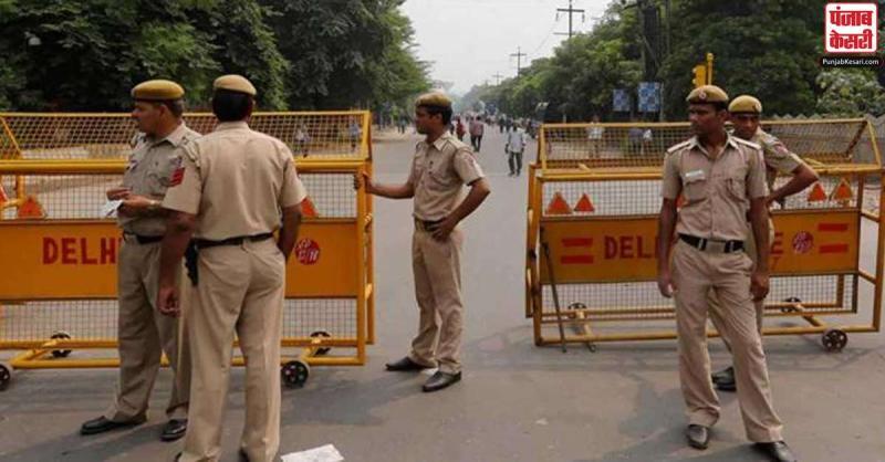 कृषि विधेयकों के खिलाफ प्रदर्शनों के चलते दिल्ली की सीमाओं पर भारी संख्या में पुलिस बल तैनात