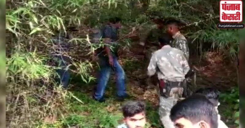 तेलंगाना में पुलिस के साथ मुठभेड़ में 2 नक्सली ढेर, हथियार और अन्य सामान बरामद