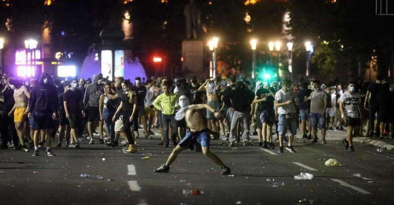 लंदन में लॉकडाउन के विरोध प्रदर्शन में16 लोग गिरफ्तार, 9 पुलिसकर्मी हुए घायल
