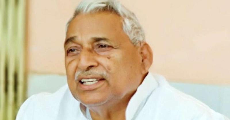 सपा नेता माता प्रसाद पाण्डेय का योगी सरकार पर तंज, कहा- राज्य में कानून व्यवस्था ध्वस्त