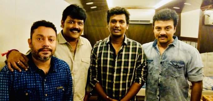 Image result for vijay with his friends