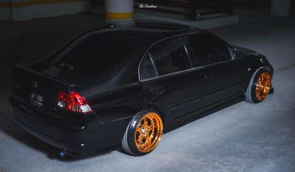This Neat Looking Honda Civic Es From Pakistan Is Black Gold