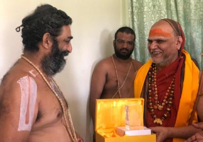 swaroopanandendra swamy and Chinna Jeeyar Swamy Most Powerfull Swamijis in andhra   రెండు తెలుగు రాష్ట్రాల్లో ఆ ఇద్దరు స్వాములు పవర్ ఫుల్!   Tupaki Telugu