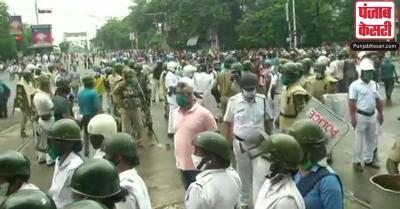 बंगाल : ममता सरकार के खिलाफ सड़कों पर BJP कार्यकर्ता, पुलिस ने भांजी लाठियां, कई घायल