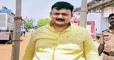 महाराष्ट्र में सांसद सुरेश धनोरकर ने 8 लोगों की जान लेने वाले बाघ को मारने की उठायी मांग