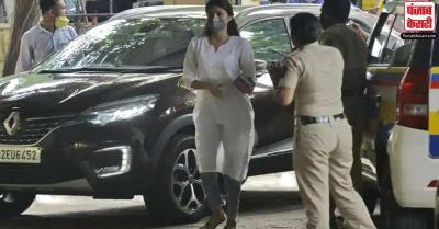 रिया के वकील का बड़ा बयान, उन्हें बर्बाद करने की कोशिश करने वालों को छोड़ेंगे नहीं