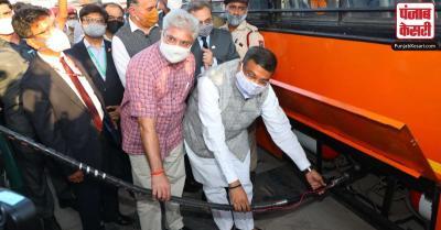 दिल्ली में हाइड्रोजन युक्त सीएनजी से बसों को चलाने का परीक्षण शुरू