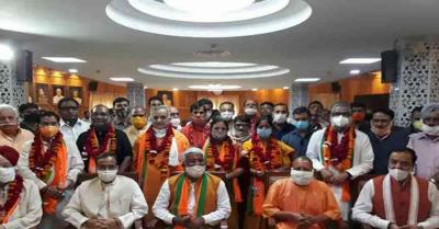 CM योगी की मौजूदगी में UP राज्यसभा चुनाव के लिए भाजपा के 8 प्रत्याशियों ने किया नामांकन