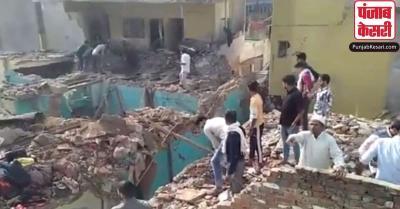 मेरठ में एक घर में ब्लास्ट से उड़ी कई मकानों की छत, दो लोगों की मौत