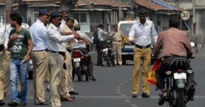 यातायात पुलिसकर्मी की जिस जगह पर हुई पिटाई, उसी स्थान पर मिला सम्मान