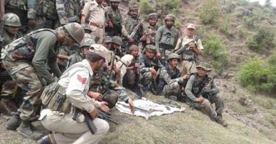 जम्मू-कश्मीर : राजौरी में आतंकवादी ठिकाने का पर्दाफाश, भारी मात्रा में हथियार बरामद