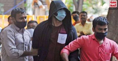 एक्ट्रेस रिया चक्रवर्ती के भाई शोविक को मिली जमानत, सुशांत केस में ड्रग्स लेन-देन का आरोप