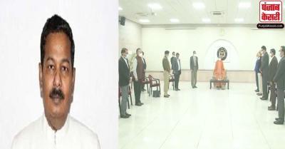 चुनाव में पर्यवेक्षक के पद पर तैनात IAS अधिकारी का हार्ट अटैक से निधन, CM योगी ने दी श्रद्धांजलि