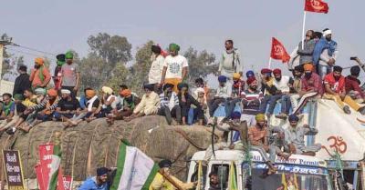 कृषि कानूनों के खिलाफ कड़ाके की ठंड में किसानों का  52वें दिन आंदोलन जारी