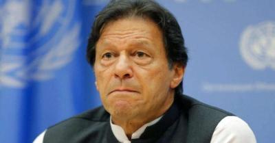 कोर्ट के आदेश पर पाकिस्तान की कैबिनेट ने PM इमरान के सहयोगी नईम बुखारी को पीटीवी अध्यक्ष पद से हटाया