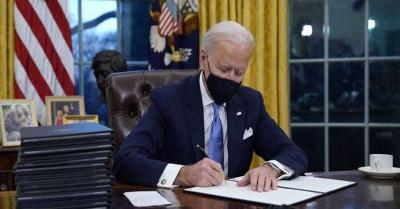 अमेरिकी राष्ट्रपति जो बाइडन ने आर्थिक राहत के आदेश पर हस्ताक्षर किए