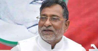 UP पुलिस ने 220 ट्रैक्टर मालिकों को जारी किया नोटिस, सपा नेता बोले-किसानों को धमकाने वाला कदम