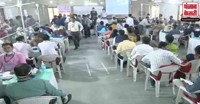 गुजरात निकाय चुनावों की मतगणना जारी, बीजेपी को बढ़त, कांग्रेस पीछे