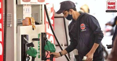 अंतरराष्ट्रीय बाज़ार में कच्चे तेल में उबाल, भारत में छठवें दिन ईंधन की कीमतों में टिकाव