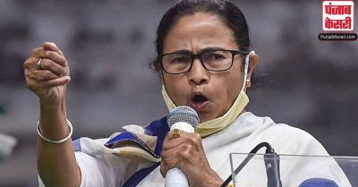 ममता का PM पर वार, कहा-मतदाताओं को गुमराह करने के लिए झूठ का सहारा ले रहे हैं मोदी