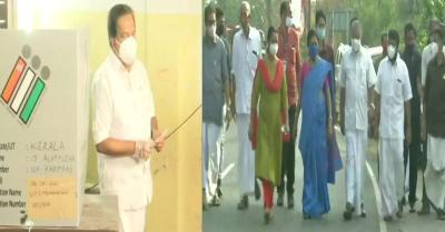 केरल : CM विजयन और विपक्ष के नेता रमेश चेन्निथला समेत कई नेताओं ने किया मतदान