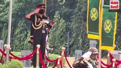 भारतीय थल सेना प्रमुख नरवणे ने बांग्लादेश के संस्थापक शेख मुजीबुर रहमान को दी श्रद्धांजलि
