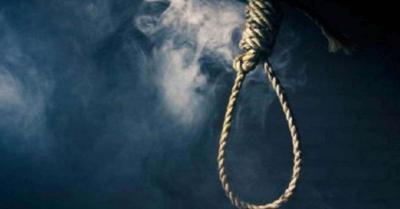 जम्मू-कश्मीर के अनंतनाग में महिला का लटका मिला शव, परिवार के सदस्यों ने ससुराल वालों के घर में लगा दी आग