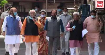 BJP प्रतिनिधिमंडल ने चुनाव आयोग से की मुलाकात, TMC नेता के बयान पर दर्ज कराई आपत्ति