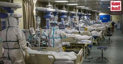 ऑक्सीजन सिलेंडर भरवाने के लिए पिछले तीन दिनों से इंतजार कर रहा है गंगाराम अस्पताल