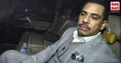 दिल्ली पुलिस ने रॉबर्ट वाड्रा की गाड़ी का काटा चालान
