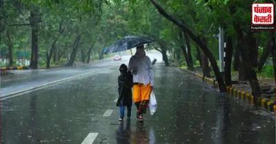 दिल्ली-एनसीआर में सुबह से हो रही है बारिश, भीषण गर्मी से मिली राहत, खिले लोगों के चेहरे