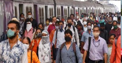 थमते कोरोना के बीच दोनों टीके ले चुके लोगों को लोकल ट्रेन यात्रा की अनुमति देने के पक्ष में है महाराष्ट्र सरकार