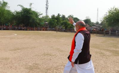 Former BJP chief Amit Shah at a helipad in Chapra, West Bengal, for an election rally. Photo: Twitter/@BJP4Bengal