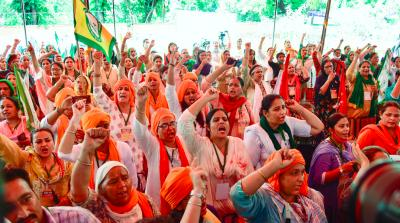 Women farmers and their suppoters during Kisan Sansad against the Centre's farm laws at Jantar Mantar in New Delhi, Monday, July 26, 2021. Photo: PTI